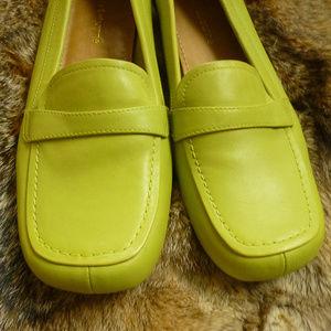Liz Claiborne Green  Loafer Sz 8.5M